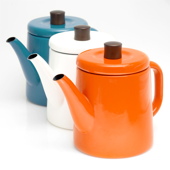 Japanese enamel kettles at Poketo