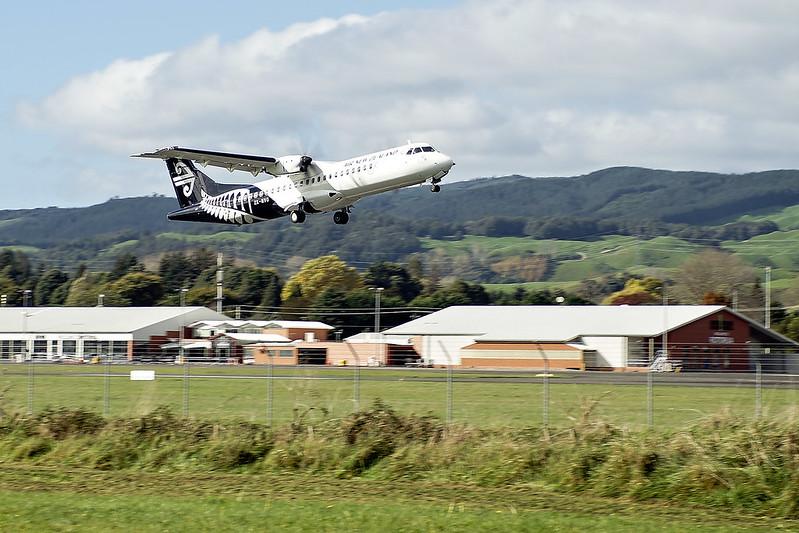 Air New Zealand Link ATR72-600 ZK-MVO NZ5689 ROT->WLG dep ROT