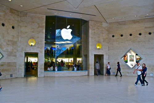 Apple Store Carrousel Du Louvre (PARIS)