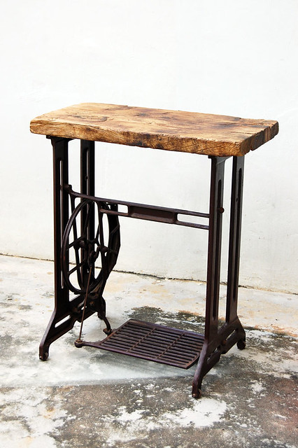 Small sewing machine desk gone but not forgotten - Small sewing machine table ...