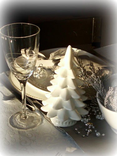 Dining Delight Winter White And Christmas Silver