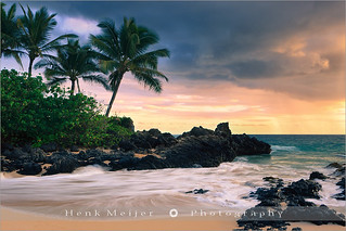 Sunset at Secret Beach, Makena Cove - Maui - Hawaii
