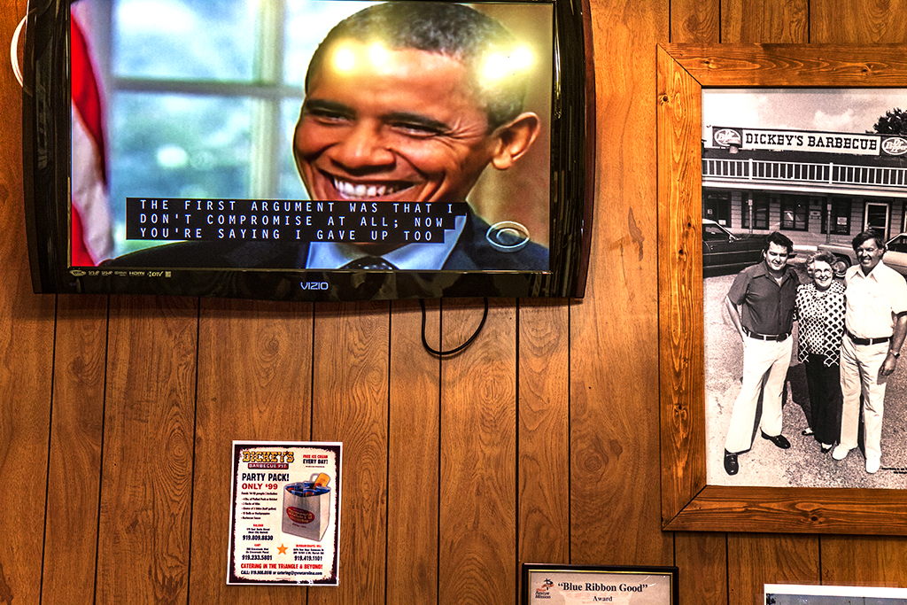 Obama-at-DICKEY'S--Raleigh