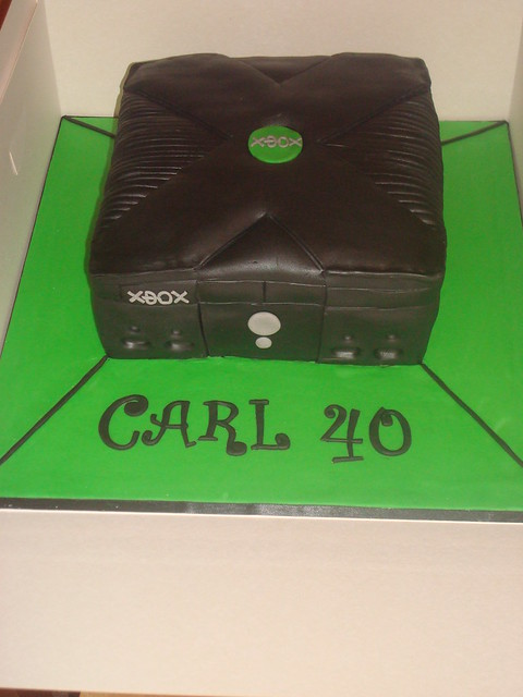Xbox Birthday Cake http://www.flickr.com/photos/angelinacupcake/6517272263/