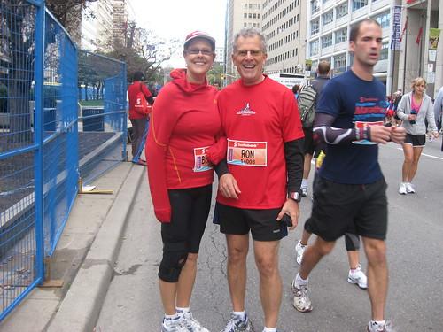 Bev Moir, Ron Foreman, Scotiabank Waterfront Half Marathon 2011