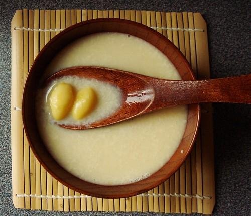 白果腐竹雞蛋糖水