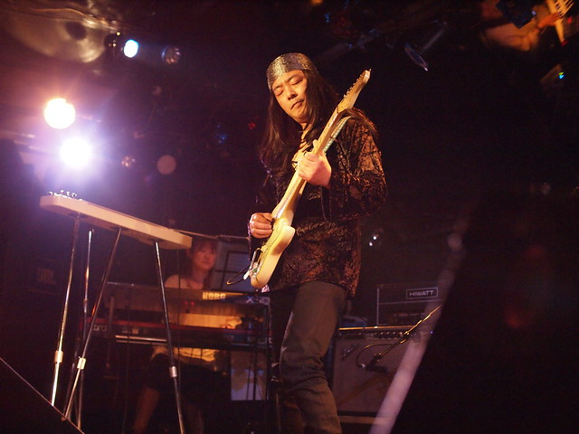 Kanae live at Silver Elephant, Tokyo, 18 Dec 2011. 2-012