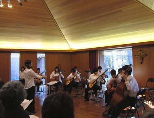 諏訪清陵古典ギター部演奏 2011年12月23日 by Poran111
