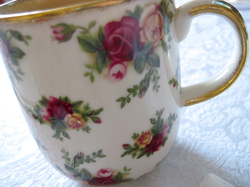Old Country Roses mug, a past gift from Terry!