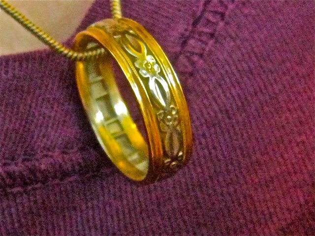 this is my mom 39s wedding ring which my DD always wears on a chain around her
