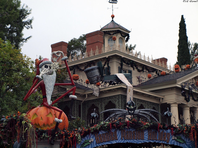 Disneyland Haunted Mansion Nightmare Before Christmas | Flickr - Photo ...