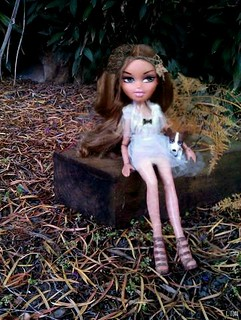 "Cliona - Bratz Next Top Model C.1; Week 10 - ""The Country Side"""