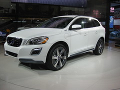 automobile, sport utility vehicle, wheel, vehicle, automotive design, volvo xc60, bumper, volvo cars, land vehicle, luxury vehicle,