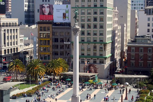 Union Square, San Francisco (by: gtsspeed, creative commons license)