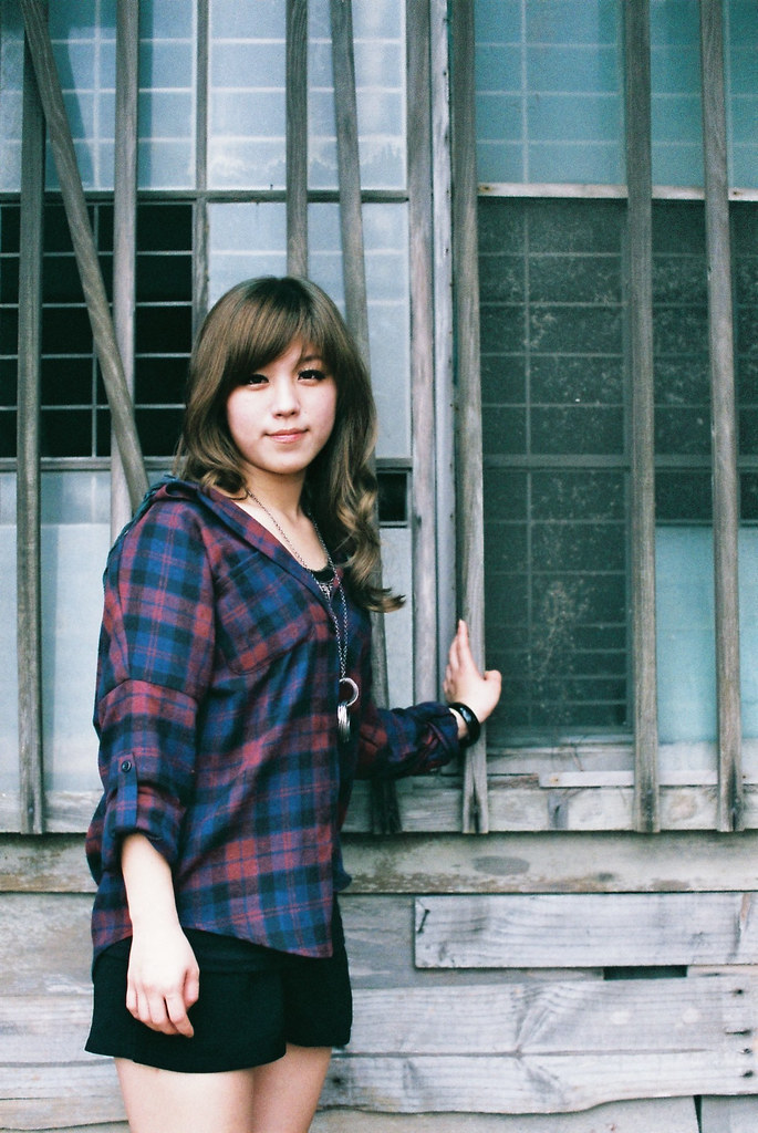 子婷的第一次外拍於台鹼宿舍(膠片部分)