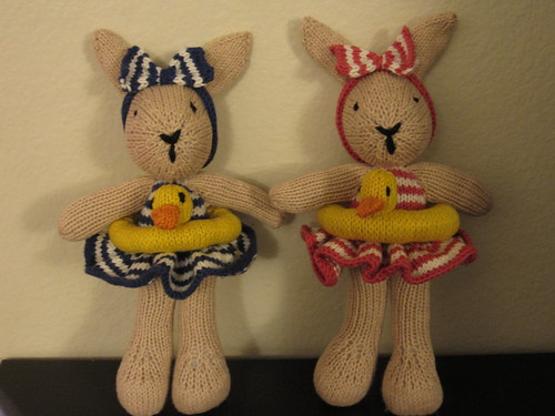 Bunty Bunnies Go Swimming