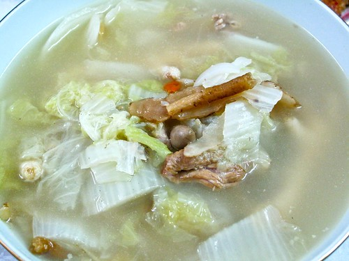 IMG_1636 Chinese Cabbage soup for reunion dinner 2012 - 团圆饭之黄芽白汤