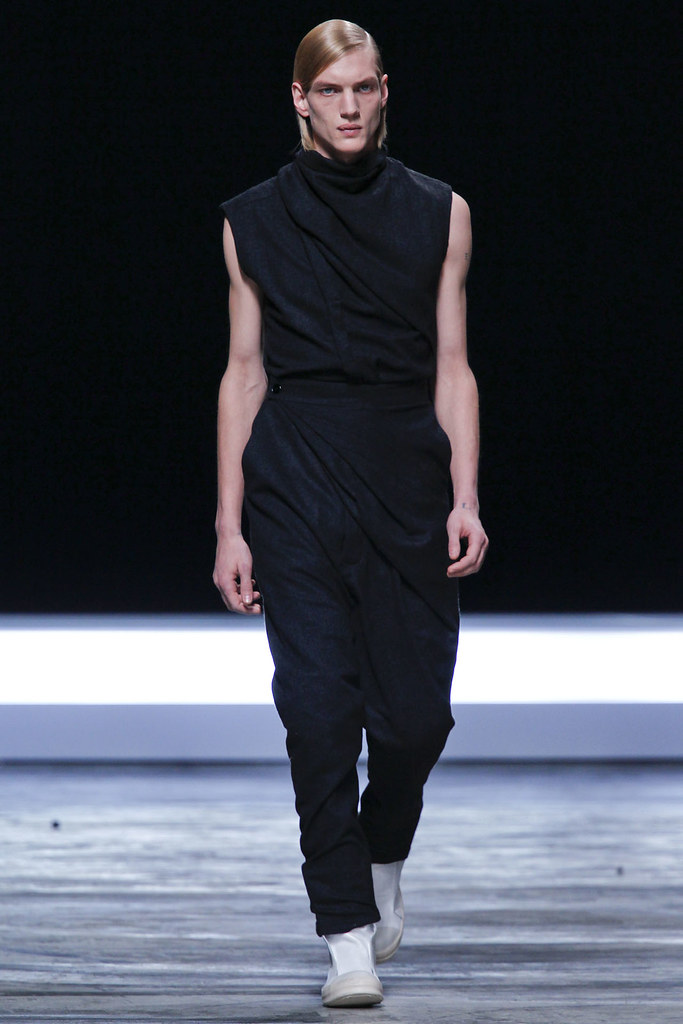 FW12 Paris Rick Owens010_Paul Boche(VOGUE)