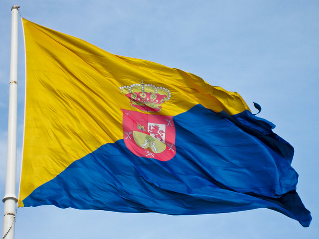 Bandera de Gran Canaria - Flickr CC sermarr