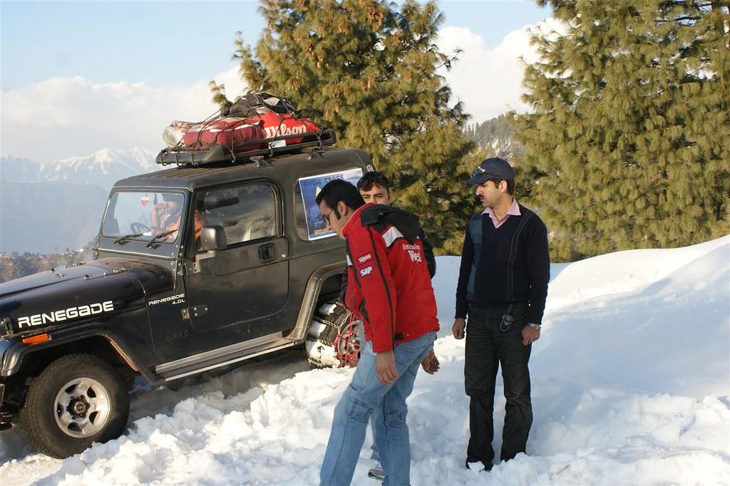 Muzaffarabad Jeep Club Snow Cross 2012 - 6796512469 20ab109092 b