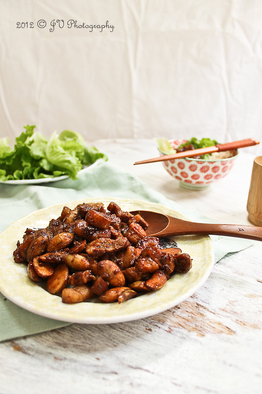Stir-fried Pork and Arrowhead Lettuce Cups