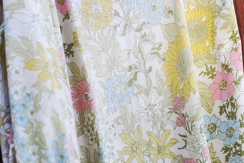 Vintage Cannon Royal Family Floral Sheet