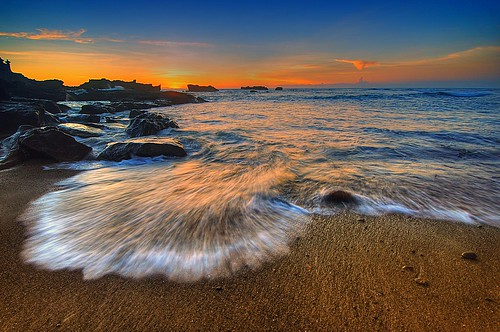 splash at mengening beach