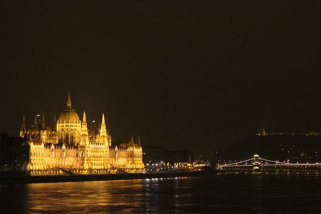 El Parlamento de Budapest y el Danubio