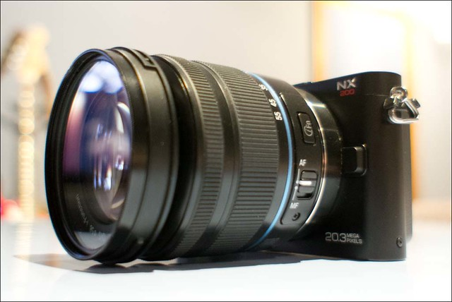 Samsung NX200 18-55mm zoom