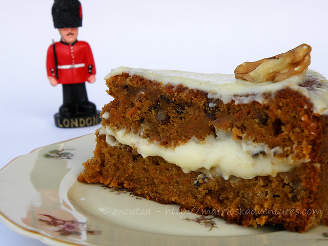 foto Dolce inglese torta carote e noci Carrot cake