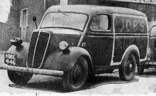 Fordson 8hp E83 delivery van Job's Better Milk