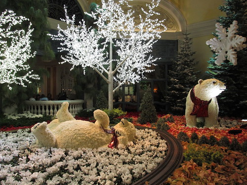 Things to do in Las Vegas for Christmas - Bellagio Conservatory's polar bear topiaries.