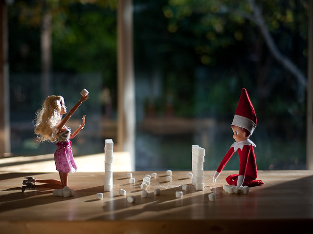 Building Blocks Elf on the Shelf. Click for more ideas! #elfontheshelf