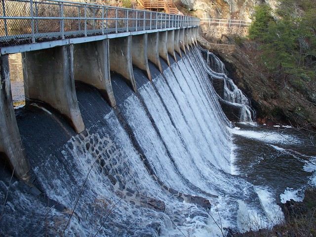 Holliday Lake Dam