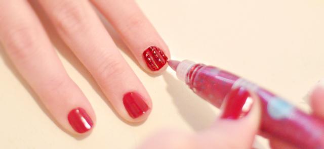 diy striped manicure