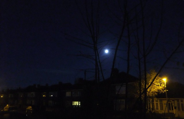 2011_12_120001 Full Moon