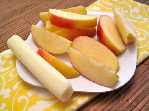 Slim Tip: Surviving the Snack Attack