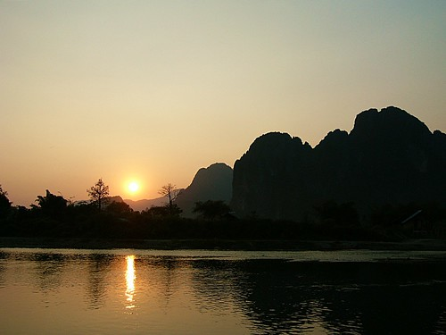 Vang Vieng Sunset by jumbokedama