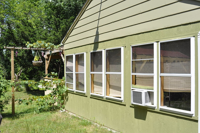 Screened in detached porch 1 flickr photo sharing for Detached screened porch plans
