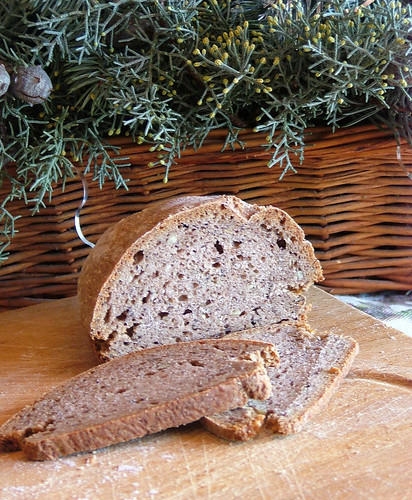rye & whole wheat bread with mixed seed and nuts