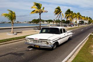 Chevrolet on Paseo El Prado, Cienfuegos