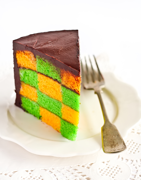 green_gold_checkerboard_cake-3