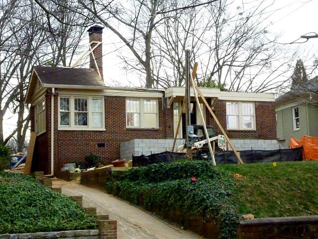 P1040100-2012-01-16--1330 Lanier-Boulevard-Poptop-WIP-roof-off