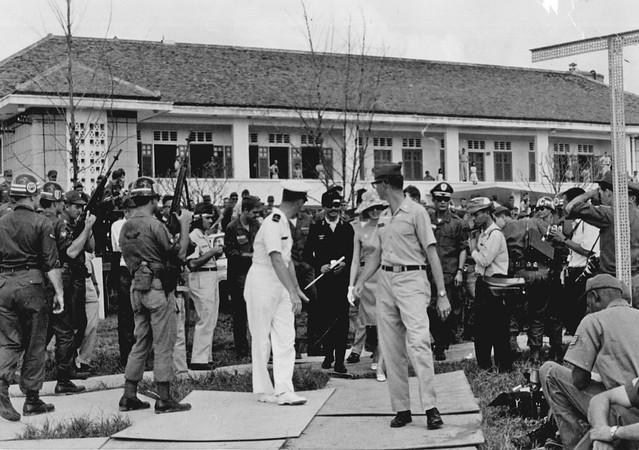 Thủ tướng Kỳ, bà Tuyết Mai, Trung tá Lưu Kim Cương