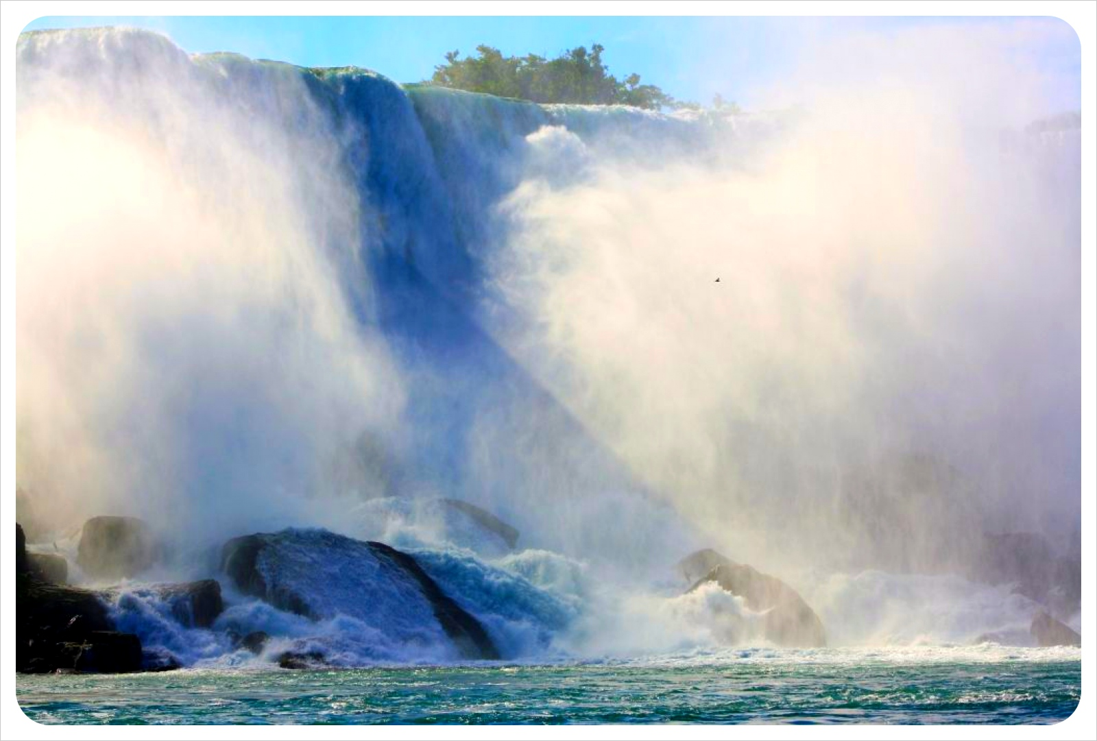 niagara falls american falls &mist from river