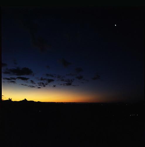 arizona moon mountains phoenix sunrise desert slide bronica 40mm nikkor agfa rs200 selfdeveloped fountainhills s2a aristarapide6 expired041990