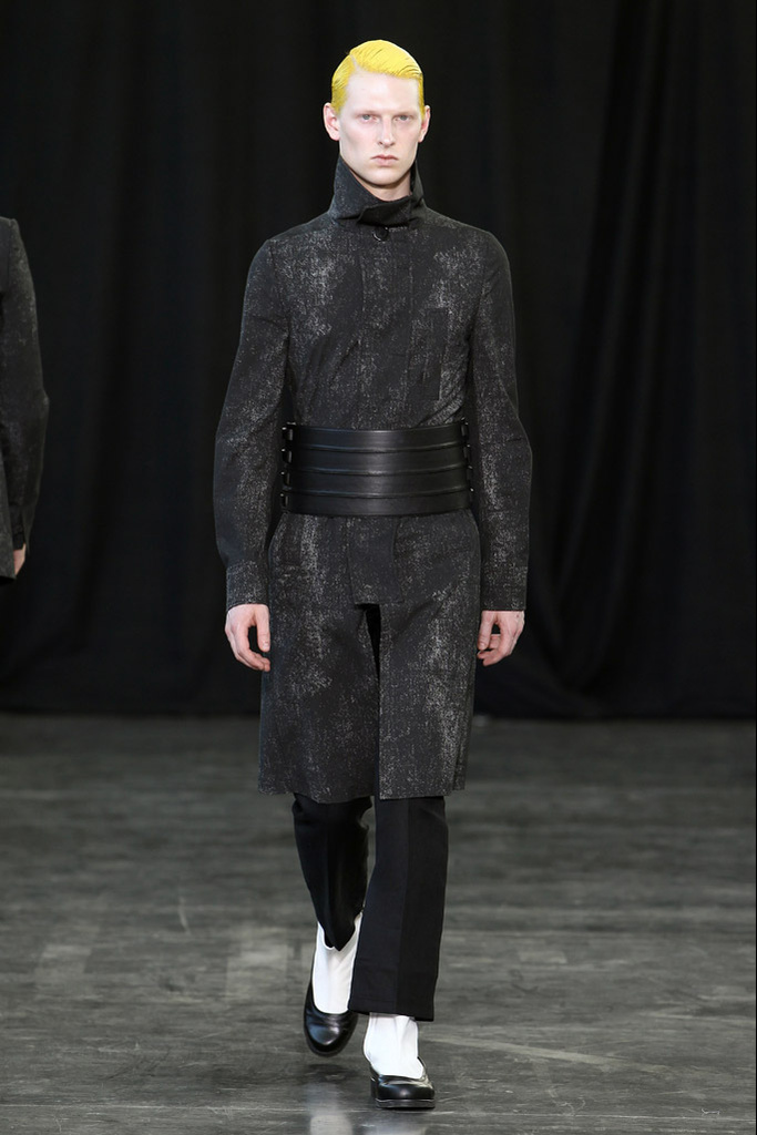 Diederik Van Der Lee3151_SS12 Paris Songzio(Homme Model)