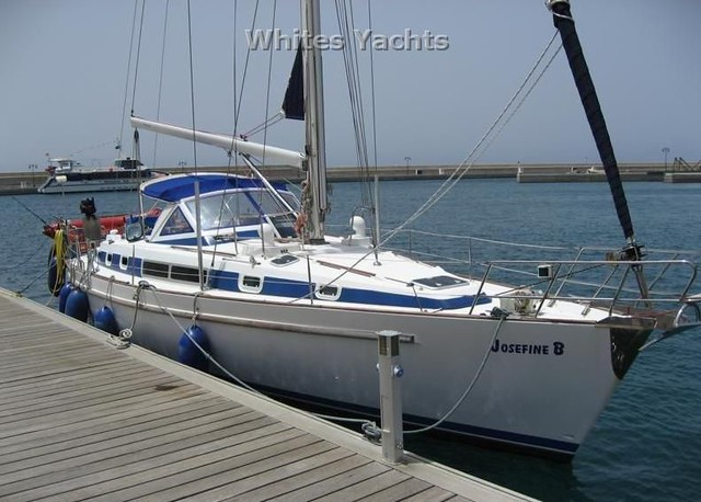 This Beneteau Oceanis 44CC sailing yacht was built in 1995 with building ...