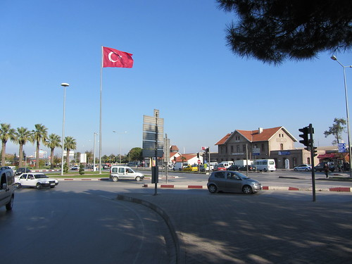 Balikesir: Square in front of the train station (5)