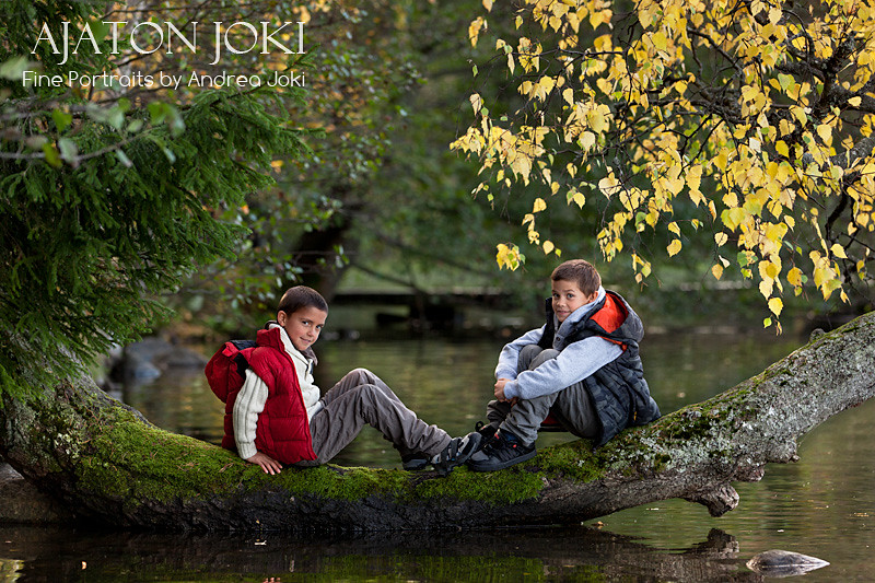 lake natural light autumn session